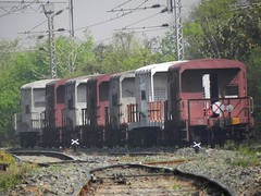 Caboose train (Smeet Chowdhury) Tags: ir ser digitalcameraclub irfca alltypesoftransport panoramafotográfico caboosetrain bksc outwardbulb