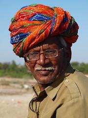 Sadri - Man (sharko333) Tags: voyage street travel portrait people india man asia asien olympus e asie indien rajasthan reise 620