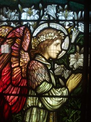 Angel, St Oswald's, Rugby (Aidan McRae Thomson) Tags: church window rugby victorian stainedglass warwickshire stoswalds morrisco johnhenrydearle