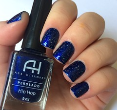 Hip Hop + Nuvem de Paet (Francinie Helvadjian) Tags: risqu anahickmann esmaltes azul glitter hiphop nuvemdepaet