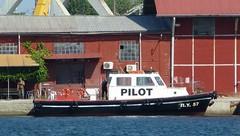 Pilot boat (skumroffe) Tags: pilotboat pilotship lotsbt pilot lots ny57 ship schiff fartyg bt boat thessaloniki greece hellas grekland ellada port hamn harbor harbour macedoniagreece greekmacedonia macedonia mellerstamakedonien makedonien