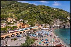 16-08-16 Trenitalia E402B + Intercity, Monterosso al Mare (Julian de Bondt) Tags: trenitalia fs ferrovie delle stato e402b monterosso al mare treno train cinque terre