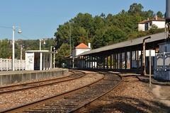 Vista de Este - Livrao (valeriodossantos) Tags: comboio train infraestruturasdeportugal infraestruturas refer estaes estaodalivrao livrao marcodecanaveses linhadodouro caminhodeferro portugal