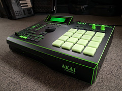 _0040233 (ghostinmpc) Tags: akai mpc2000xl ghostinmpc custommpc 16pads