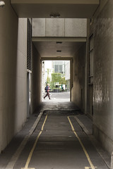 Great Swan Alley, EC2 (Tetramesh) Tags: tetramesh london england britain greatbritain gb unitedkingdom uk guesswherelondon gwl londr   londres londn londen lontoo  londain londra londone londyn llundain londrez loundres londono londinium llondon lunnainn lndra guessed guessedbyjohnlinwood johnlinwood gwlguessed greatswanalley ec2 cityoflondon alley