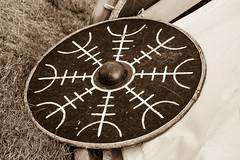 Shield (Crones) Tags: canon 6d canoneos6d canonef24105mmf4lisusm 24105mmf4lisusm 24105mm poland polishrepublic wolin skanzen viking vikings historicalvillage shield