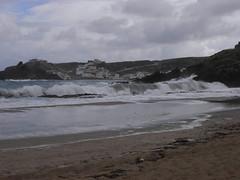 cala mesquida red flag  [last year] (the incredible how (intermitten.t)) Tags: menorca espaã±a balearicislands baleares illesbalears minorca samesquida sea calamesquida waves 20150930 2990 españa