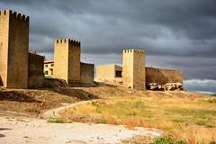 EL CERCO (6toros6) Tags: alfredo aficionados azul sol d7100 flickr12days nikon luz navarra paisaje cielo tierra ruinas campo muralla