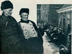 come and see  amsterdam volendam marken j 50, Volendam oude vissers (janwillemsen) Tags: volendam folder 1950ies folklore