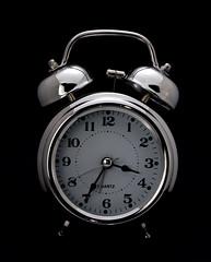 DSC03671 cpia (Bucci 10) Tags: sony robson relgio despertador a100 bucci fundopreto alpha100 robo