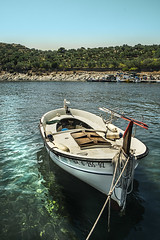 Dal's bay at Portlligat (marianyka) Tags: sea water landscape photography boat mar agua fotografia dali cadaques bote portlligat fotologia photology marianyka marianabenavidez marianykacom