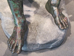 Apollonius, Boxer at Rest, detail with feet