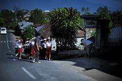 The rehearsal (RomImage) Tags: street city people urban bali mountain walking children indonesia nikon asia child rehearsal walk asie 24mm nikkor society rehearse pce indonsie munduk d700