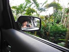 Navigating out of our B&B (qoomonster) Tags: beach hawaii kauai poipubeachpark sep2012