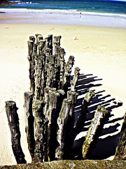 0377 (dream_stack) Tags: wood old city france beach saint sand wave medieval malo stopper