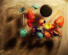 Apple of Paradise - Heart - Hommage a Friedemann der Teppichweber (hedbavny) Tags: vienna wien stilllife art museum tomato austria österreich stillleben 3d paradise outsiderart heart decay assemblage infinity kunst stilleben shangrila puzzle human mementomori concept dried mold weaver transition decomposition herz modell tomate nhm weber konzept tapestry vanitas conceptualart naturhistorischesmuseum vergänglichkeit anatomie paradies narrenturm tapisserie schimmel verfall unendlich naturezamorta endlos friedemann verwandlung endlessness vertrocknet getrocknet menschlich konzeptkunst weben schimmelpilz museumsshop paradiesapfel paradeiser aktionismus solanumlycopersicum sammlerstück eingetrocknet leintuch appleofparadise dehumidified friedemann1 friedemannderteppichweber naturhistorischesmuseumderstadtwien anatomiemodell anatomischesmodell hedbavny friedemannhoflehner ingridhedbavny