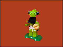 I loves ice cream (Karf Oohlu) Tags: lego moc minifig alien tongue blacktongue icecream icecreamcone