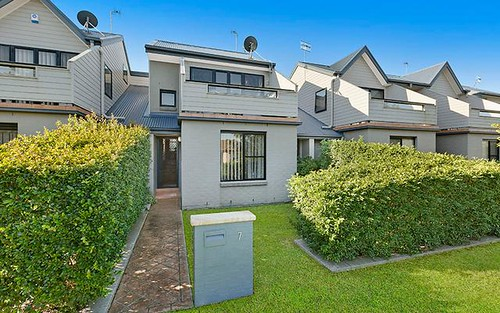 7/17 Mary St, Gorokan NSW 2263