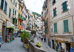 Via Colombo, Riomaggiore, Cinque Terre, Italy (GSB Photography) Tags: italy riomaggiore viacolombo street mediterranean 5villages italianriviera coastalvillage unescoworldheritage colorful architecture nikon d60 cinque terre cinqueterre buildings 250v10f 100v10f 500v20f 1500v60f 50favorites saariysqualitypictures