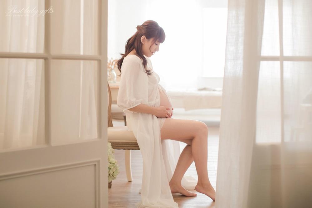 女攝影師孕婦寫真拍攝
