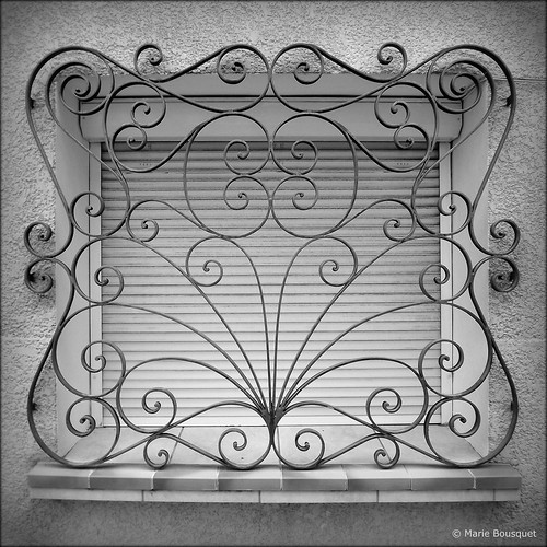 Top Fenêtre à fer forgé en volutes - a photo on Flickriver VU63