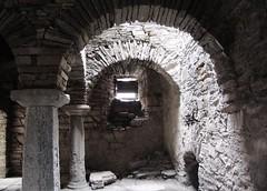 Monasterio de San Pedro de Montes (toninhodacantina) Tags: españa de spain san sony pedro f828 monasterio dsc bierzo montes