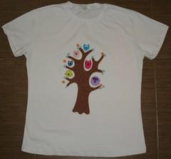 Árvore de corujas (Kaasf) Tags: artesanato artesanal patch patchwork camiseta customizada estilizada patchcolagem caamis patchapliqué patchapliqueé