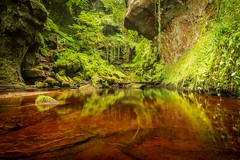 The Devil's Pulpit, Finnich Glen, Scotland. (Aidan Maccormick Photo) Tags: scotland green red water glasgow stirling trossochs finnich devils pulpit
