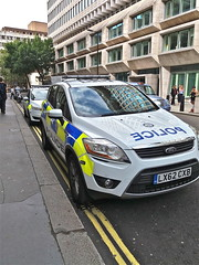 Setting An Example (Deepgreen2009) Tags: btp police cars parked example bad lunch doubleyellowlines road transport london stjamesspark