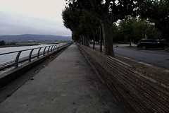 Caminha, 7 de Setembro de 2016 (*F~) Tags: caminha portugal riverside park perspective rain obscure cold atmosphere grey riocoura humans walkers