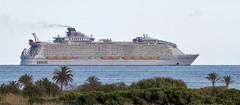 Harmony of the seas (vic_206) Tags: harmonyoftheseas ship transatlantico bcn barcelona mar sea mediterraneo
