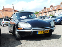 Citroen DS 21. (steven.barker57) Tags: uk england sun classic car french 21 yorkshire rally north citroen ds international vehicle clubs rare 15th 2012 pickering ds21 moorsrailway14august2012