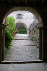 Santuari dels Arcs (Monestirs Puntcat) Tags: santa maria iglesia pau els monasterio arcs garrotxa santuario monestir esglsia santiario