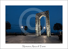 Numana, Arco di Torre (18184) (Danilo Antonini (Pescarese)) Tags: park street old travel blue sea italy panorama parco mountain holiday seascape rome roma tower tourism monument water architecture del landscape twilight mediterranean mediterraneo italia mare arch torre roman blu monumento flag meta arc antica via national hour bluehour monte ora gita avenue acqua turismo azzurro arco conero numana viaggio architettura marche vacanza paesaggio romana adriatic turisti adriatico ancona crepuscolo bandiera promontory localit balneare regionale promontorio orablu imbrunire canonef24105f4lisusm pescarese canoneos5dmark2 arcoditorre parcoregionaledelmonteconero viadellatorre