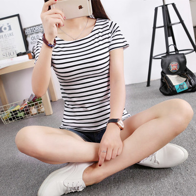 Korean version of the new tight-fitting black and white horizontal stripes in the summer girls short sleeve t-shirt neck was thin cotton t Chao