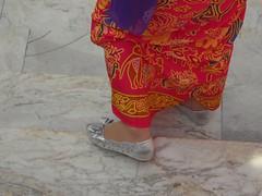 Elgance. deux photos aujourd'huit two pictures today (alainpere407) Tags: alainpere bangkok elegance vetementtraditionel vividstriking