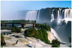 Passarela das Cataratas do Iguaçu. (Valter Patrial) Tags: passarela cataratasdoiguaçu fozdoiguaçu cataratas brasil paraná trees sky water river travel blue clouds rocks waterfall long exposure brazil america south inexplore
