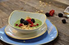 Green Smoothie Bowl mit Beeren (einfach.lecker.geniessen.) Tags: food smoothie bowl breakfast frhstck gesund lecker