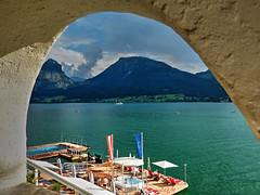 St. Wolfgang (etoma/emiliogmiguez) Tags: wolfgangsee stwolfgang austria sterreich pueblo lago salzkammergut