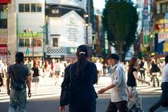 Kabukicho crossing (ChrisNagasawa) Tags: street city woman japan japanese tokyo shinjuku crossing bokeh voigtlander kabukicho 40mm nokton 2012 leic leicam8