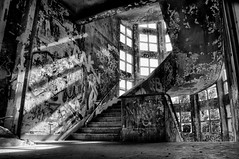 (Farlakes) Tags: france abandoned stairs decay sanatorium exploration vexin farlakes