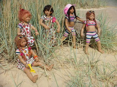 Kindergartenkinder (Kindergartenkinder) Tags: dolls sommer kindra tivi setina annettehimstedt annemoni kindergartenkinder himstedtkinder sanrike naturbadolfen