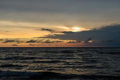 Benton Harbor Sunset [7304] (josefrancisco.salgado) Tags: sunset usa cloud lake beach clouds lago atardecer us nikon michigan unitedstatesofamerica playa lakemichigan nubes nikkor ocaso nube bentonharbor puestadelsol d4 2470mmf28g jeanklockpark