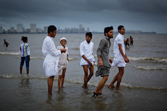 Revisiting the archives - Post-Eid on Chowpatty (Lil [Kristen Elsby]) Tags: travel india men beach topv2222 youth asia muslim islam eid bombay archives getty editorial canon50f14 mumbai gettyimages reportage shalwarkameez chowpatty youths southasia flickrvision arabiansea salwarkameez fromthearchives travelphotography canon5014 chowpattybeach eidulfitr girgaum chaupati girgaumchowpatty canon5dmarkii girgaumchaupati gettyimagesonflickr flickreditorial