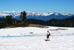 Passing the Tarns (Sotosoroto) Tags: washington hiking cascades dayhike parkbutte
