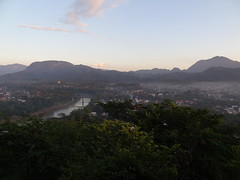 Phou Si Hill (gorbulas_sandybanks) Tags: sunset laos lao luangprabang phousi 13nov2012