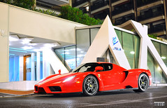 Enzo Ferrari (Willem Rodenburg) Tags: park red cars beautiful car by 35mm grey cool nice nikon parking wheels ferrari montecarlo monaco special enzo mm nikkor rims 35 legend cipriani supercar nigth nicest willem supercars valet combo v12 ligths d90 modfied midengine hypercar rodenburg hypercars