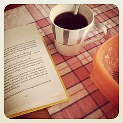 Här tror man att man ska mysa med en bra bok, och så slutar det med att kaffet kallnar medan tårarna rinner. (TinaOo) Tags: coffee square reading book crying squareformat bok kaffe earlybird gråter läsning iphoneography instagramapp uploaded:by=instagram
