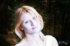 Iryna in the forest (zio Hack) Tags: forest cosmopolitan model russian catwalk boschetto bosco russa foresta modella lampista iryna strobist trinda