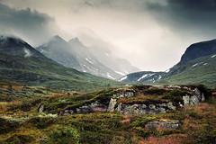 Skagastlstindane (Youronas) Tags: mountains norway fog clouds landscape norge norwegen berge landschaft jotunheimen sognefjell skagastlstindane jotunheimennationalpark sognefell jotunheimennasjonalpark